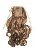 Blond Aluna Coada Par Ondulat