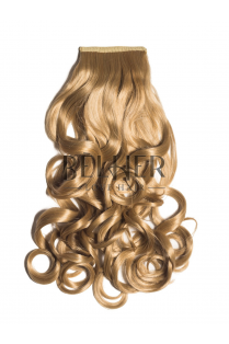 Blond Miere Coada Par Ondulat